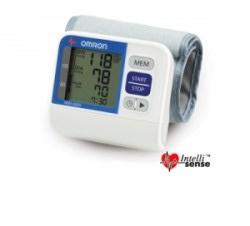 Máy đo huyết áp cổ tay Omron HEM-6200